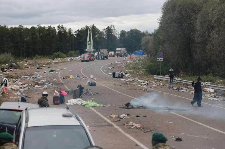 Хасиди покинули кордон України і гори сміття після себе (відео)