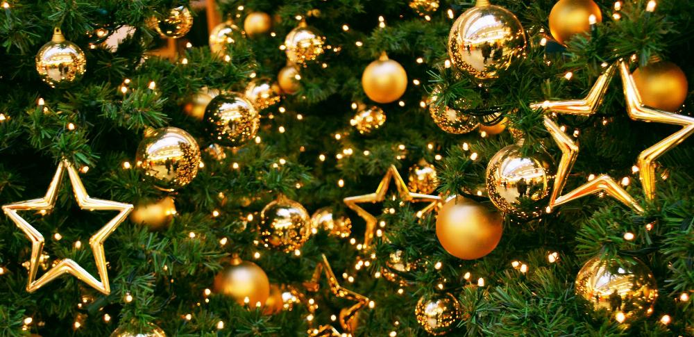 Сім'я, мандарини та подарунки під ялинкою: як відомі волиняни відзначають Новий рік (фото)