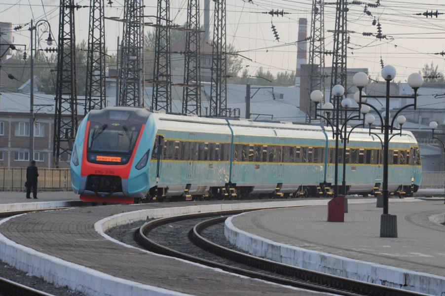 Замість рейкового автобуса: з Луцька до Львова пустили новий поїзд
